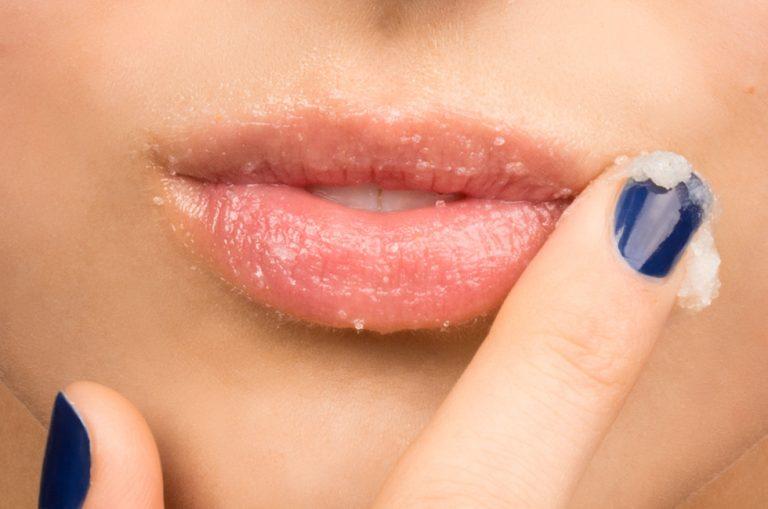 Các cách làm môi đỏ tự nhiên dành cho phái đẹp (2)